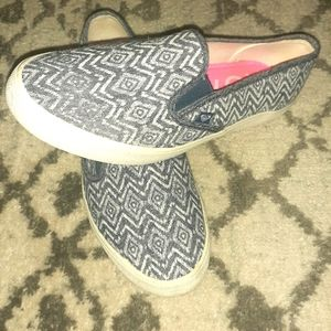 WOMENS ROXY SLIP ON SHOES SIZE 10